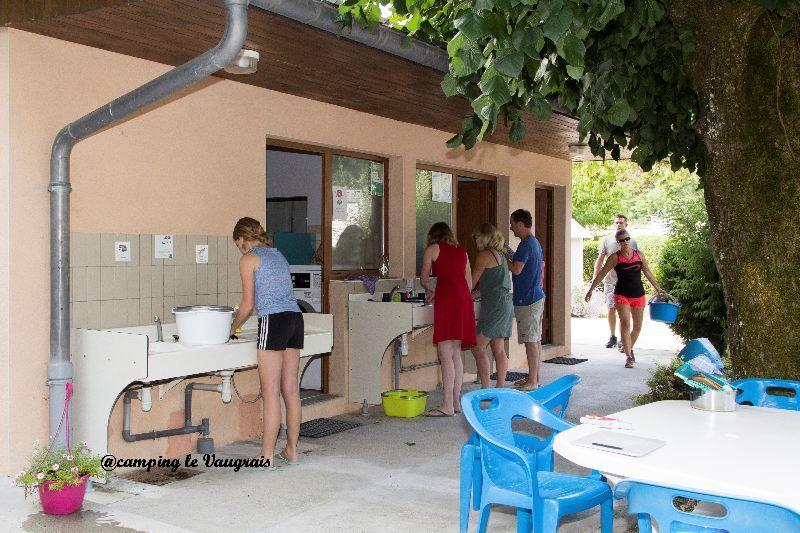 sanitaire du camping en savoie 1
