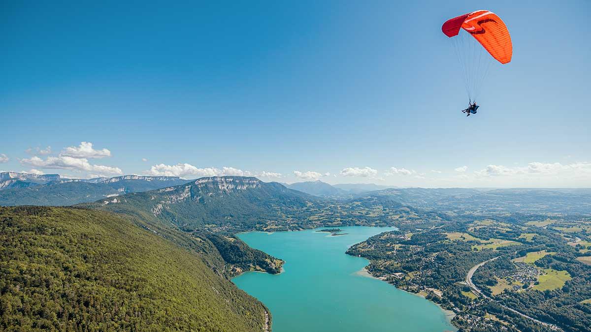 vol au dessus du lac du bourget